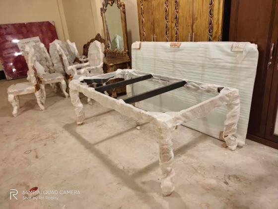 Classic Dinning Table